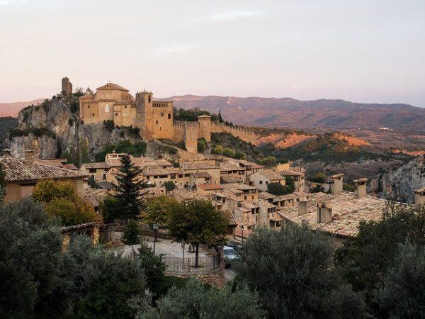 small towns Spain-alquezar_